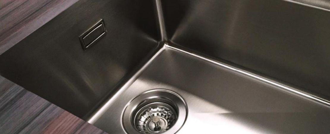 lavello acciao inox incassato in top laminato cucina