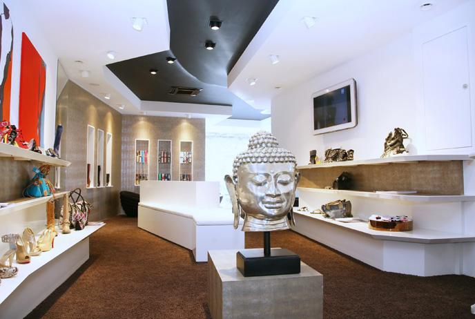 Arredamento interni negozi roma progettazione arredamento for Progettazione arredamento interni